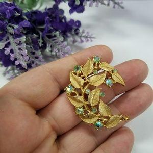 Gorgeous VTG Trifari Leaf Brooch